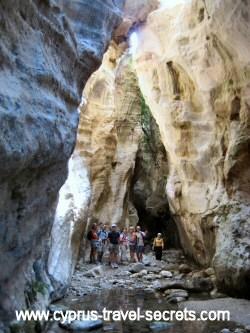 avakas gorge walk