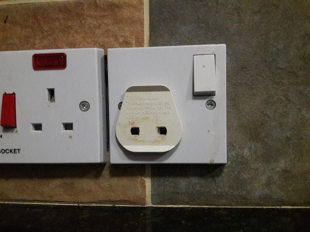 cyprus electric plug adaptor
