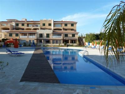 Polis gardens pool